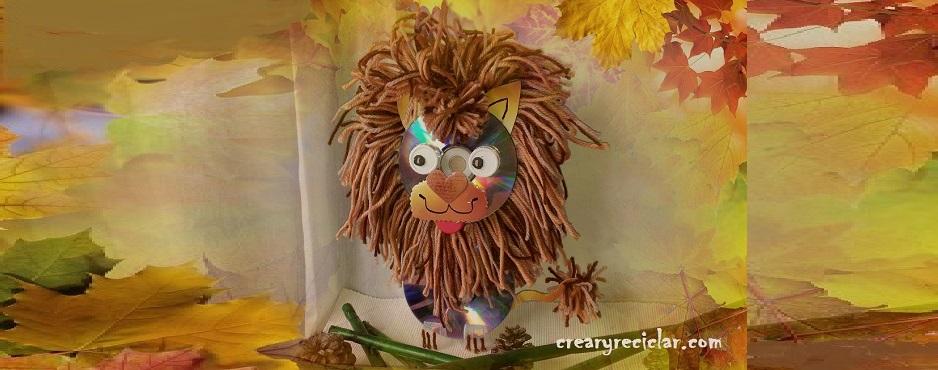 leon con materiales reciclados