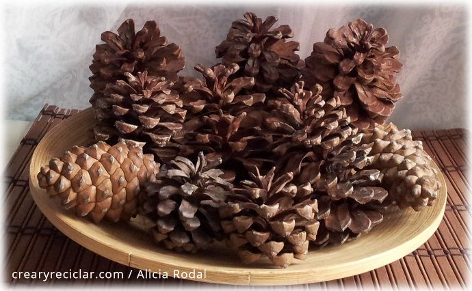 ideas para navidad con pi as de pino crear y reciclar On pinas de pino