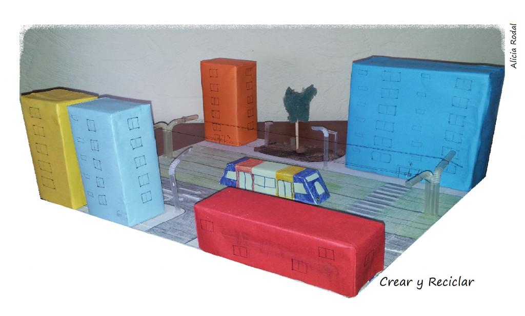 Cómo hacer una pequeña maqueta de ciudad con tranvía con material reciclado para la tarea del colegio