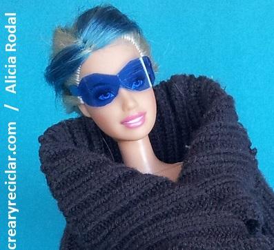 Cómo hacer gafas o lentes de sol para muñecas con botellas de plástico.