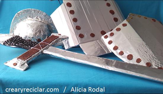 Cómo hacer una armadura o traje de conquistador de cartón para el colegio