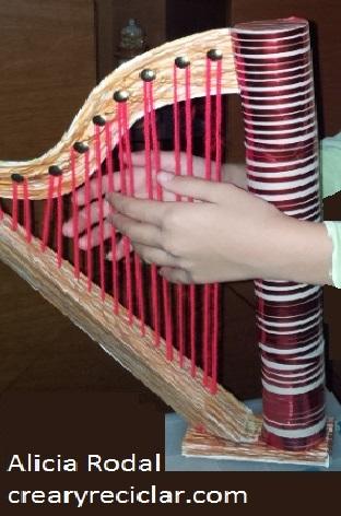 Como hacer un arpa de cartón para las manualidades o tareas del colegio