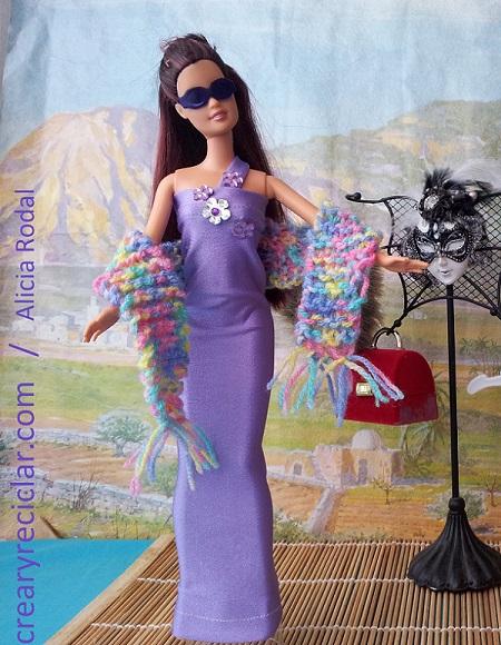 vestido para muñecas reciclado hecho con una manga