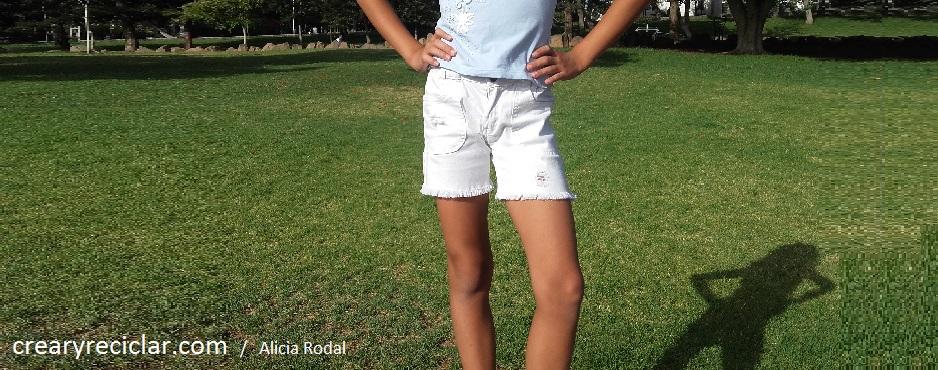 pantalón vaquero blanco corto y roto