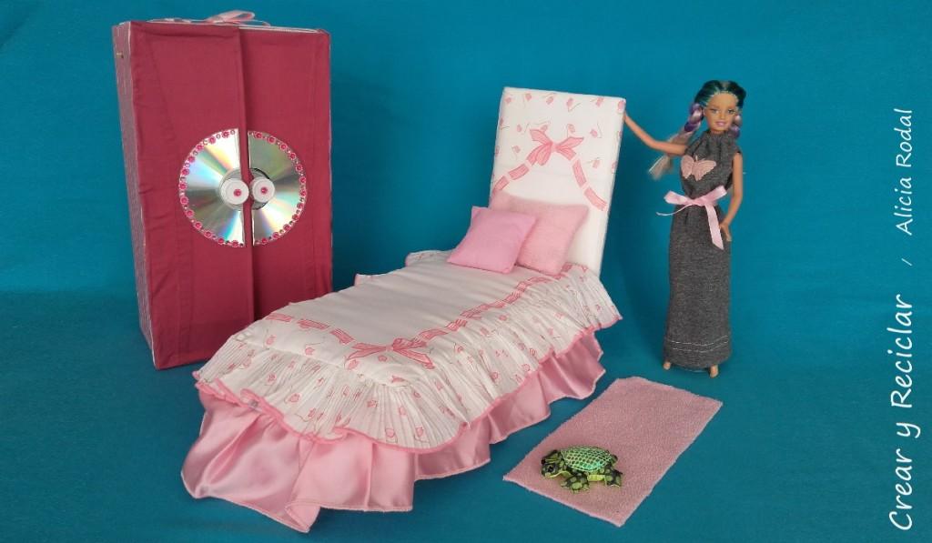 cama, colcha y edredón para muñecas