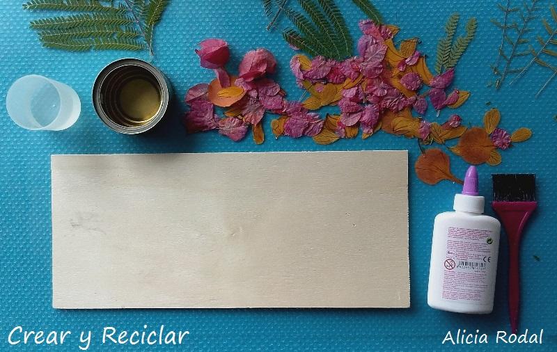 materiales cuadro de madera guacal y flores secas