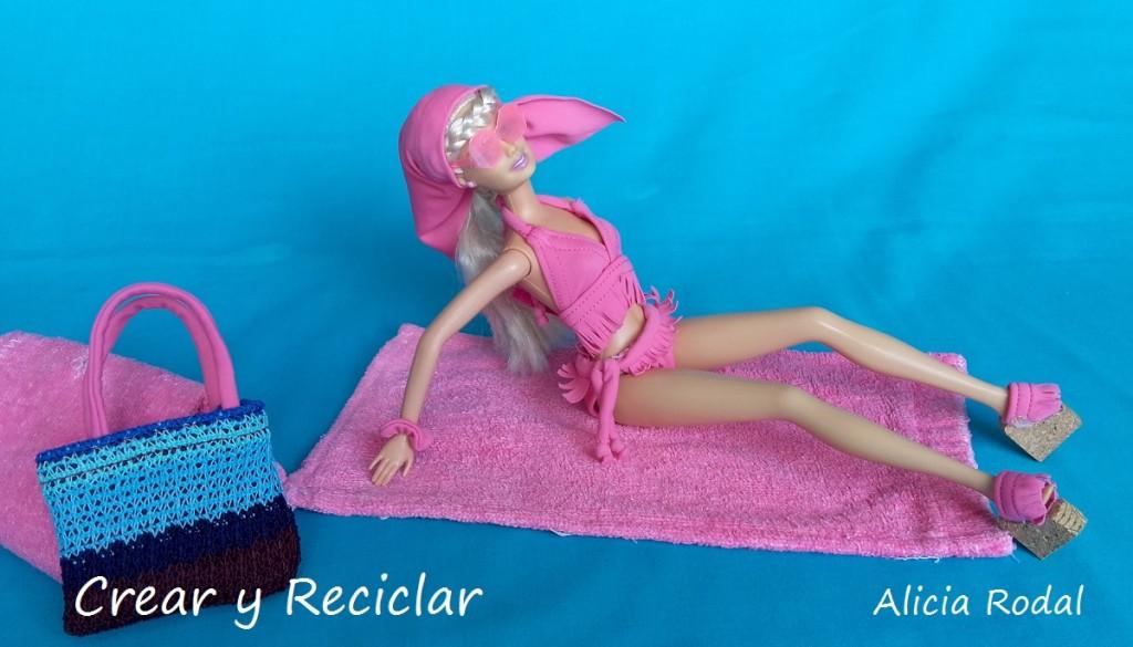 bikini, toalla, bata, bolso moda para muñecas con reciclaje