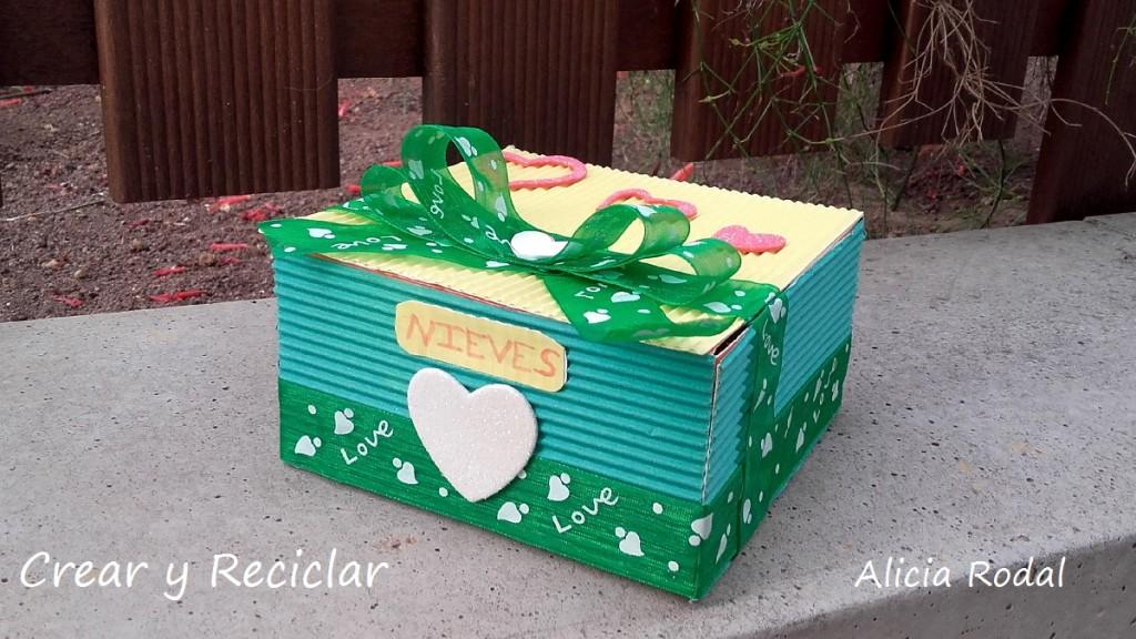caja de cartón para regalo DIY