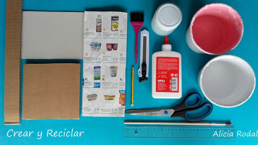 Materiales para escalera de cartón para casa de muñecas DIY