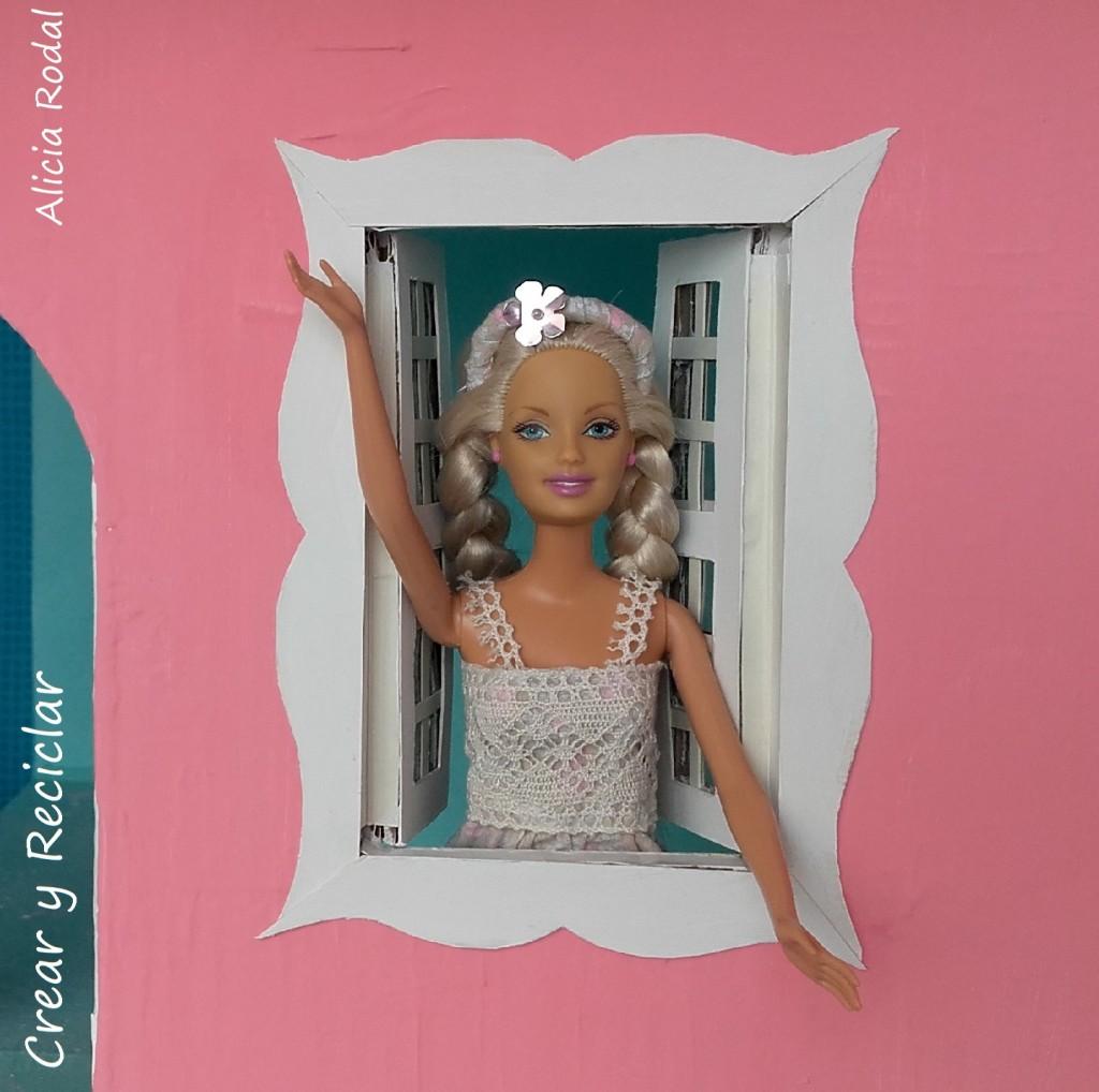 Casa de muñecas de cartón. Las ventanas DIY