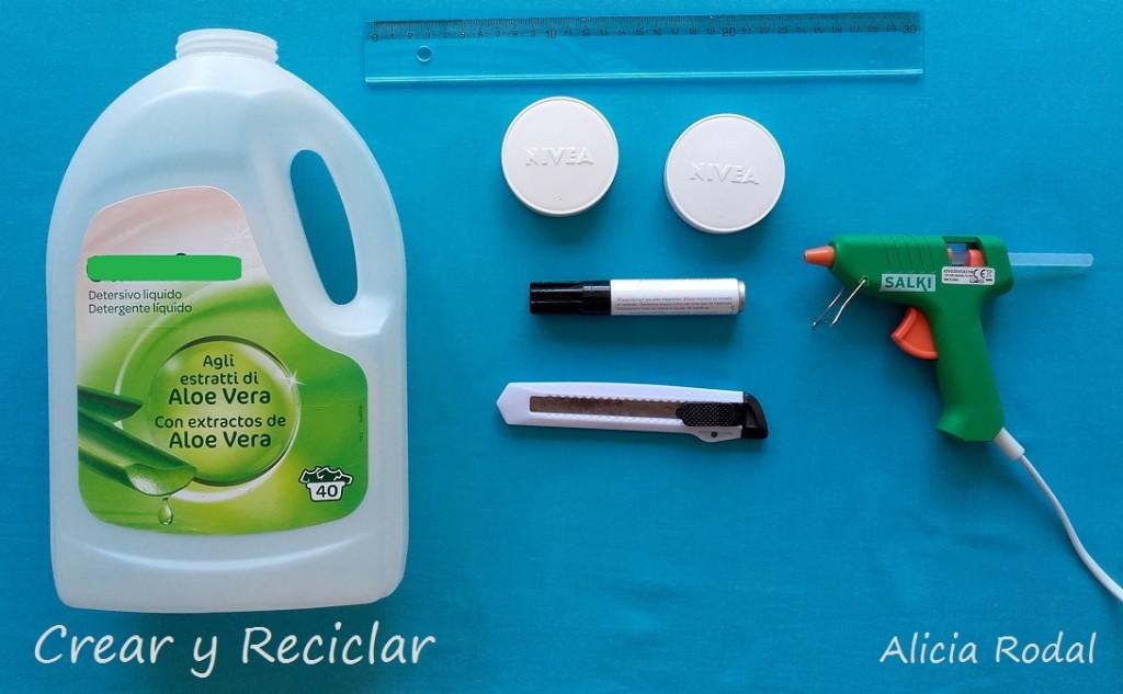 Materiales para el baño de casa de muñecas con reciclaje DIY