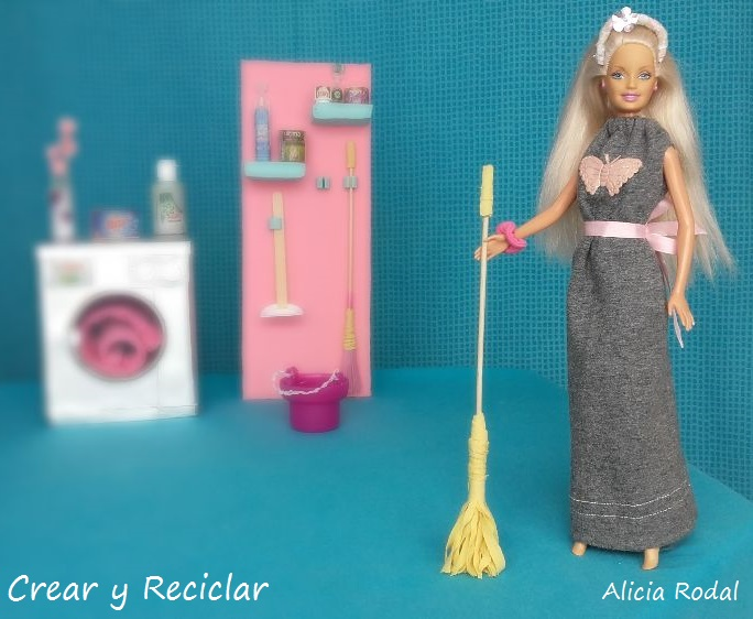 Miniatura equipo básico de productos de limpieza ESCOBA, RECOGEDOR, CUBO y FREGONA para muñecas DIY