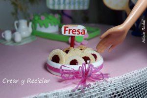 Como hacer miniaturas de galletas para muñecas de diferentes sabores con material reciclado