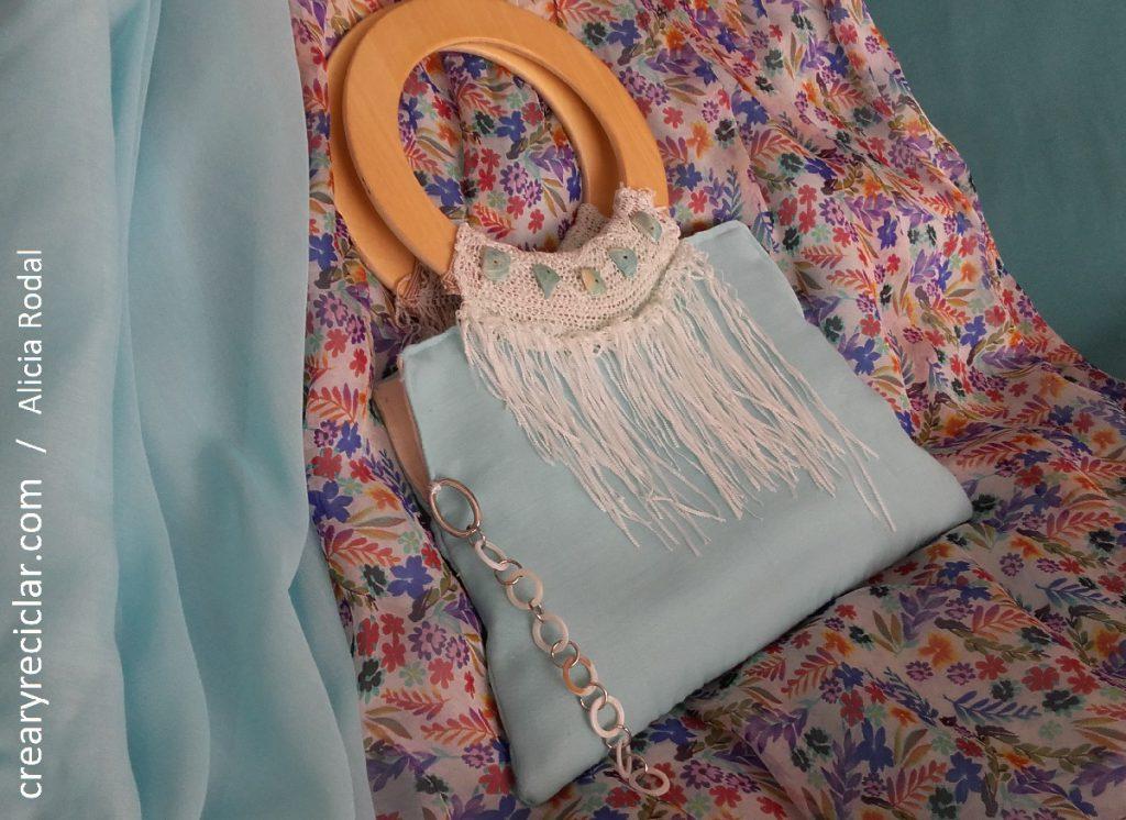 Paso a paso para hacer 2 ideas de bolsos para ocasiones diferentes, reutilizando distintos materiales.