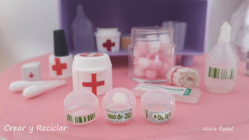 Ideas de miniaturas para las muñecas y sus profesiones, Médica veterinaria, doctora de animales, medicinas, medicamentos, etc.