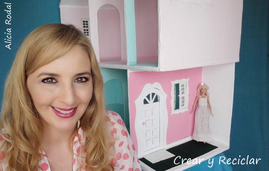 Cómo hacer una casa de MUÑECAS de Cartón paso a paso y con materiales reciclados / DIY Cardboard doll house / Crear y Reciclar