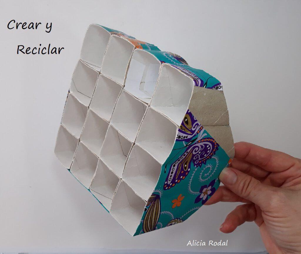 Organizador de escritorio con TUBOS DE CARTÓN del papel higiénico SÚPER FÁCIL. Cómo hacer un organizador de escritorio con tubos de cartón de papel de baño. Fácil, sencillo, rápido, económico, práctico y funcional.