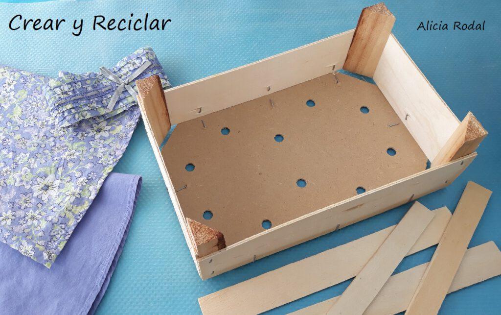 En este tutorial te muestro Cómo hacer un pequeño mueble repisa u organizador de productos DIY Reciclaje creativo Ideas creativas
