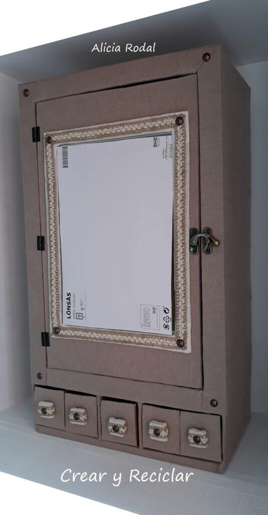 Cómo hacer un MUEBLE armario organizador con puerta y espejo, con un HUACAL o caja de madera Diy