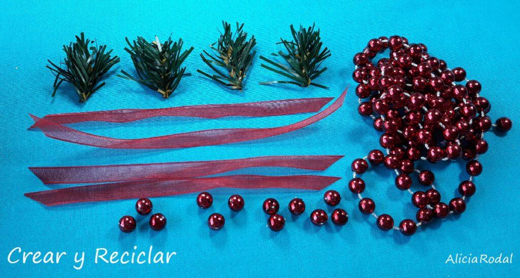 Ideas para reutilizar cajas de leche y hacer adornos o figuras decorativas para el pino navideño o árbol de Navidad